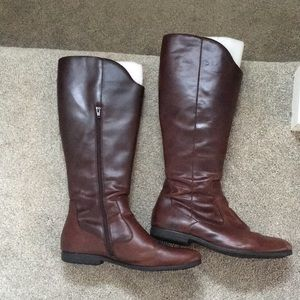 Born brown leather boots, size 10